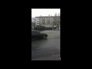 БАКИНСКИХ КОМИССАРОВ ДНР ВЕДУТ УКРАИНСКИХ ПЛЕННЫХ 22.01.2015