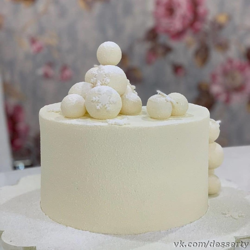 Торт «Белый бархат с вишней»
