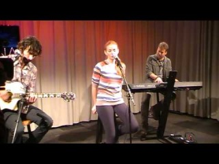 Lena Katina bij Baarn FM- The best of you 08-10-2013