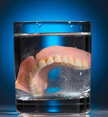 Гибкие зубные протезы должны быть более удобными и гигиеничными, чем жесткие зубные протезы.
