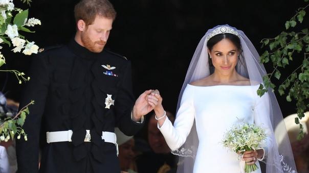 Меган Маркл требовала установить в «затхлой» часовне Святого Георгия освежители воздуха перед свадьбой Стало известно, что накануне своей свадьбы с принцем Гарри в мае этого года Меган Маркл,