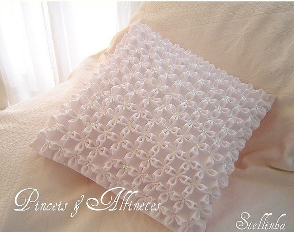 Декоративная подушка с буфами