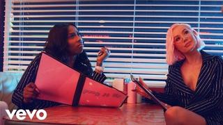 Iggy Azalea - F*ck It Up (feat. Kash Doll)