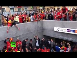 Как зажигают бельгийские болельщики в Санкт-Петербурге