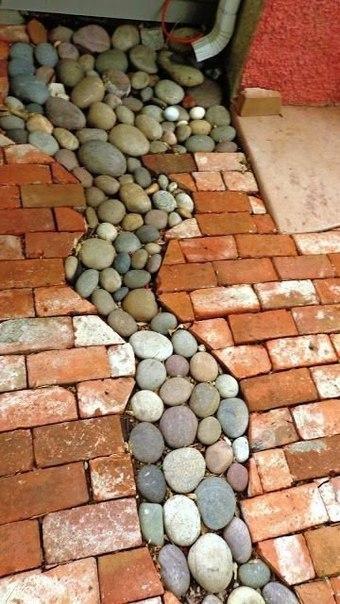 Интересное решение водосточной канавы