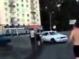 Жесткая уличная драка за измену девушки