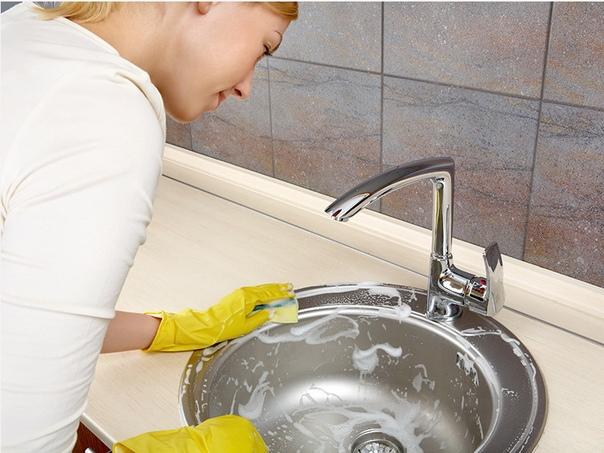 Средство для мытья посуды, раковины, ванны..