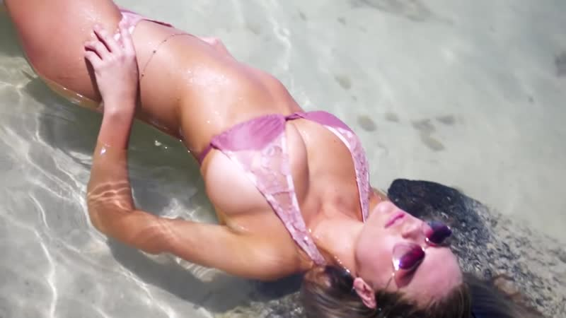 Kate Upton Makes It Way Hotter | Candids | Sports Illustrated Swimsuit