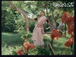 Swarna Kamalam - Telugu Songs - Aakasana Aasala harivillu