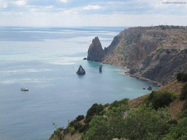 Скалы Орест и Пилад