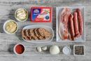 Горячий сырный дип с беконом и охотничьими колбасками