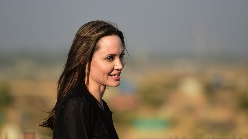 Анджелина Джоли навестила беженцев рохинджа в Бангладеш