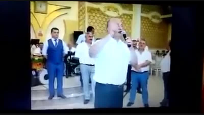 Азербайджанец на свадьбе так сильно хвалит Алиева и Путина что путается.Азербайджан Azerbaijan Azerbaycan БАКУ BAKU BAKI Карабах
