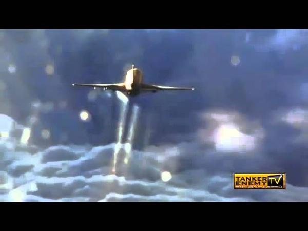 Pilot fliegt hinter einem Chemtrail - Flieger her und filmt es