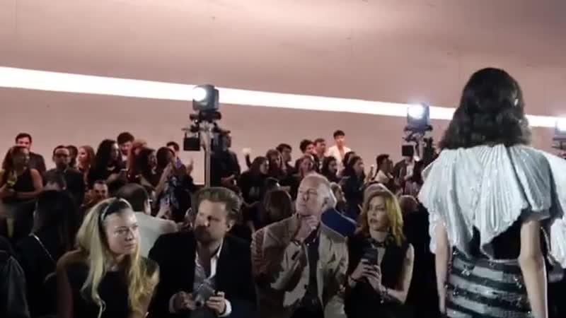ITZY 가 뉴욕에 있지! 🗽 지난 5월 8일 뉴욕에서 열린 루이비통(@louisvuitton)의 2020년 크루즈 컬렉션. 한국에선 특별히 있지의 완전체가 패션쇼에 초대 받았습니다. 👏🏻 호텔에서부터 쇼장, 애프터 파티까지