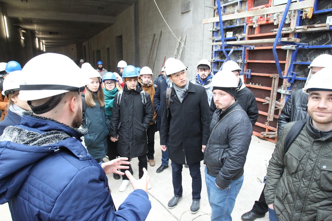 В ОИЯИ состоялся первый день открытых дверей на комплексе NICA   Фото