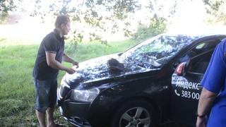 Неадекватного водителя такси задержали полицейские в Бердске