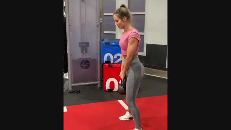 Subpost 6 Happy Friday here's a FULL GLUTES LEG WORKOUT from today raising hand type 3 ♀️ hearts ️ 936 X 750 mp4