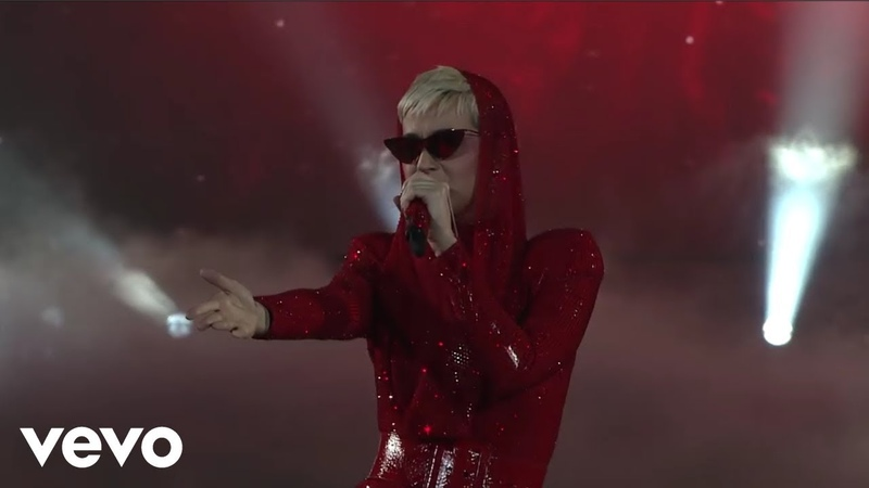 Katy Perry - WitnessRouletteDark HorseCTTR (From Witness The Tour Live) HD