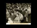 Немецкие военнопленные смотрят видео из нацистских концлагерей