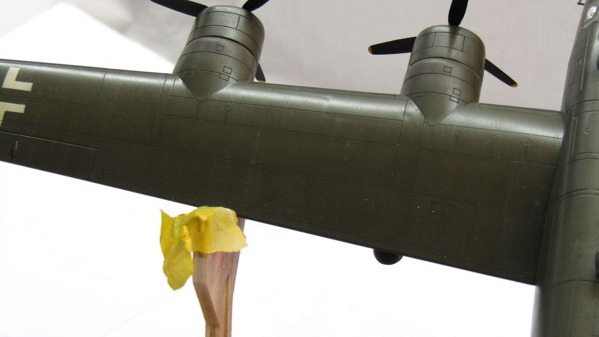 B-24H Liberator 1/72 (Academy) UzGCXWpuNYA