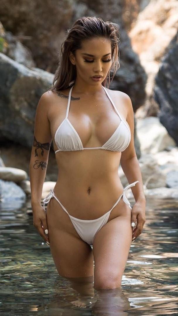 Brittne daniel nude pics