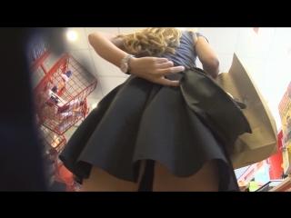 Pretty blonde girl tiny black thong upskirt    под юбкой