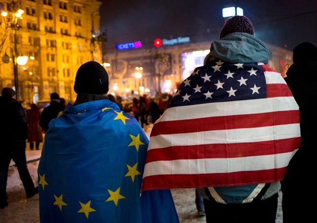Прапор ЄС та США, євромайдан фото