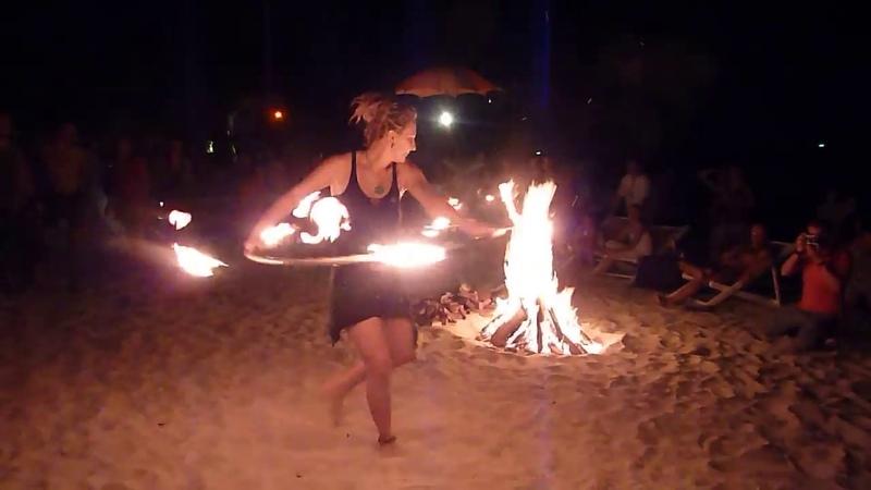 Solja Fire Perfomans Thailand Kho Phangan Beach