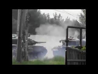24.07.2014 Донецк. Танки ополчения ведут огонь по скоплениям противника