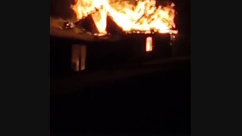 Пожар на улице Карла Либкнехта , Шахтау разгорелся гараж ночью примерно в полночь