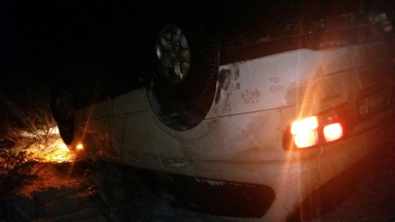 В Захаровском районе Рязанской области перевернулся внедорожник