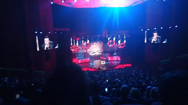 √8 18 10 2018 год На концерте в честь юбилея 45 яти летия Сергея Безрукова