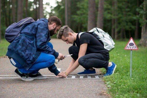 Миниатюрные дорожные знаки для крошечных жителей Вильнюса. Этот небольшой проект создали, чтобы показать, что люди не единственные жители