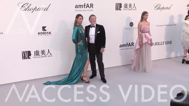 Josephine Skriver на мероприятии Amfar Cannes Gala 2019 Канны Франция 23 мая 2019 года.