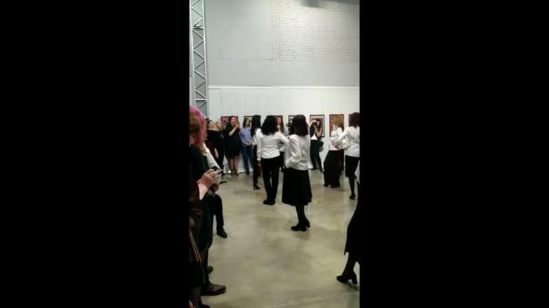 20 04 2019 Галерее Artefice Демонстрация коллекции блуз от Оксаны Барвинок