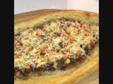 Пиде - это национальное турецкое блюдо, что-то среднее между пиццей и пирожком. Форма пиде напоминает лодочку с мясным фаршем.