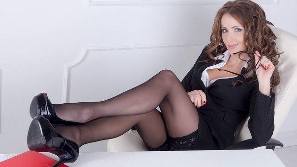 Сексуальная секретарша показать