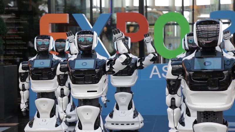 Массовый танец роботов в Астана Экспо PROMOBOT