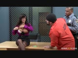 Лиза Энн показала голые огромные сиськи засвет большую грудь порно секс бразерс Lisa Ann porn sex brazzers big tit boob huge HD