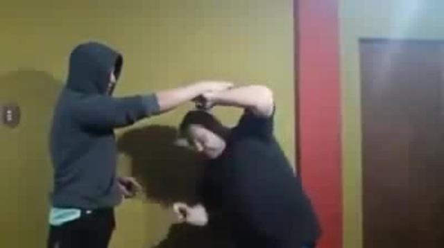 Когда учишь сына защищаться · coub, коуб