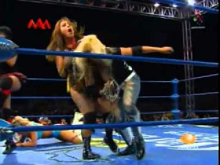 Sexy Star (c) vs Mari Apache, Fabi Apache, Lolita for AAA's Reina de Reinas championship