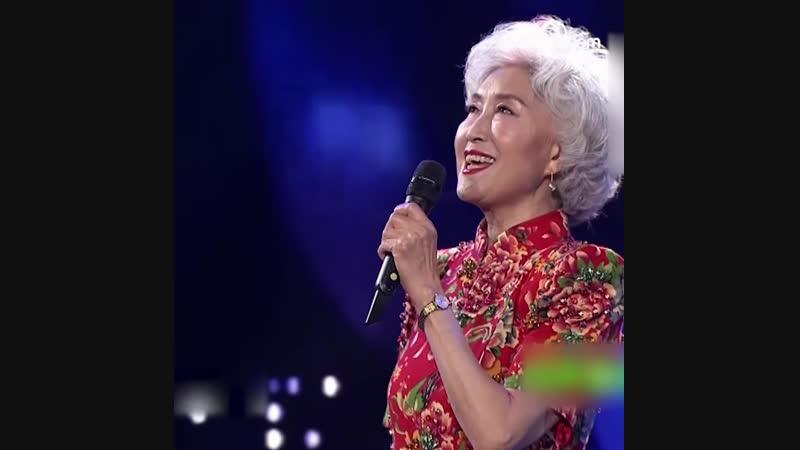 70-летняя китаянка стала звездой Недели моды в Нью-Йорке
