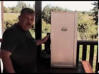 Копченая в коптильне Bradley Smoker колбаса из индейки