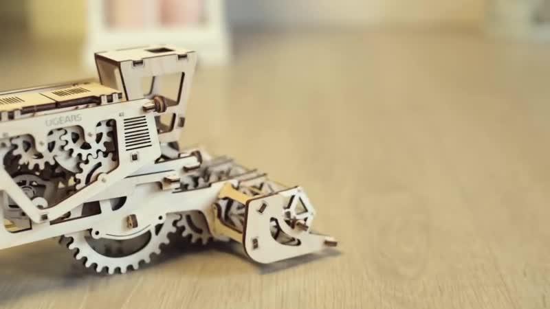 Видеообзор модели Комбайн