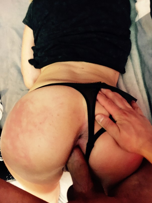 Amateur babe learning to suck big dick
