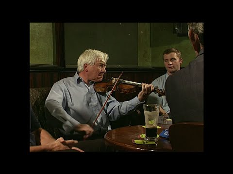 Brendan McGlinchy,fiddle |The Auld Triangle|Londain 2002