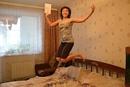 ура-а-а!каникулы!  - радостно прыгая по комнате… . и… размахивая дневником…