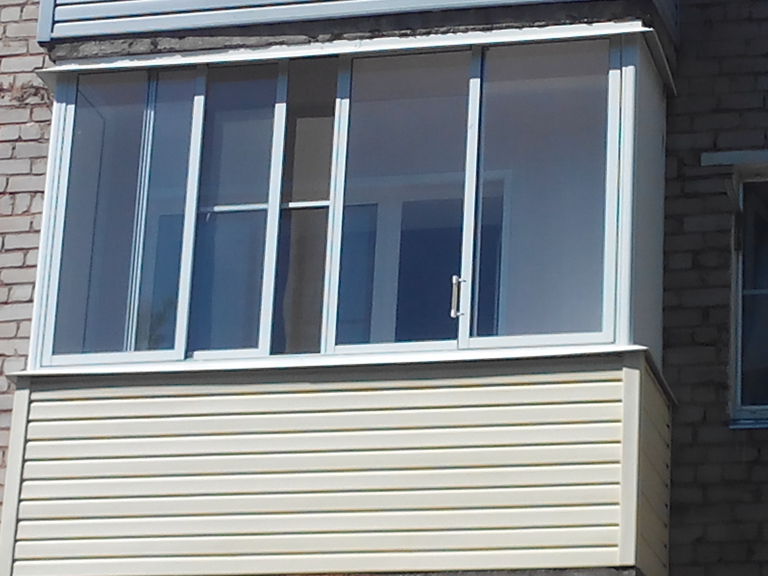 Балкон с холодным остеклением в Ижевске