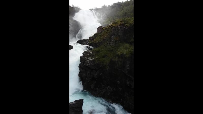 Норвегия. Водопад Кьоссфоссен поющей феей Хульдрой